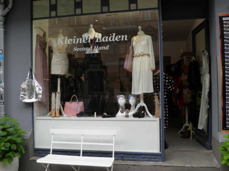 kleiner-laden-outside