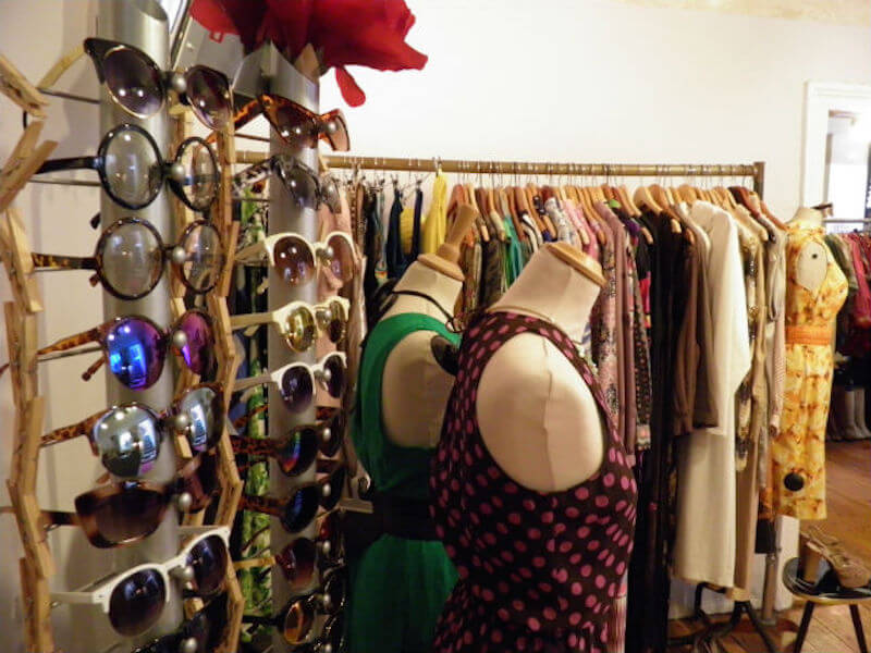 Dress Code Vintage store 50s 70s